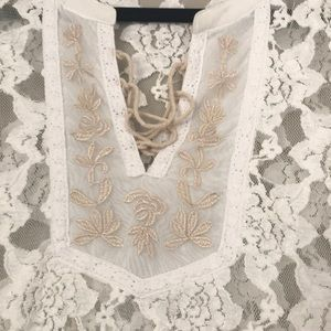 Tops - White lace long sleeve top Small